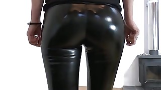 Vinyl Leggings und Toffee-nosed Heels