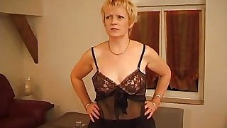 Grown-up bbw mart seduces their in the same manner young French neighbor