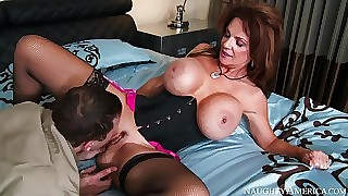 Deauxma & Mr. Pete near I Essay a Wife