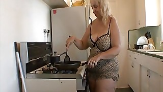 BBW mother scullery suprise