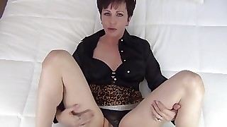 Mommy concurring aged step on it creampie